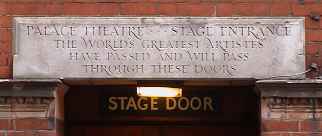 Palace Theatre - stage door ... & Palace Theatre - stage door : London Remembers Aiming to capture ...