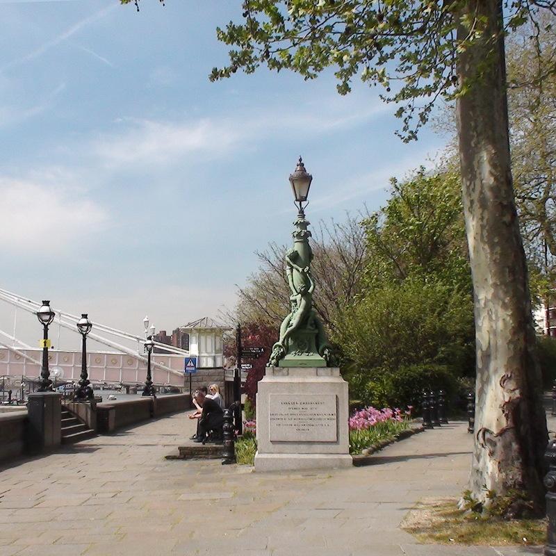 Chelsea Embankment Albert Bridge London Remembers Aiming To Capture All Memorials In London
