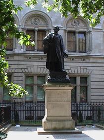 Henry Irving statue