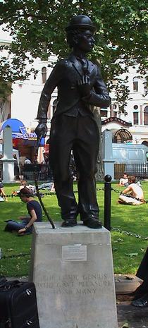 Charlie Chaplin - statue