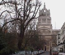Victoria & Albert Museum façade
