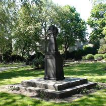War memorial - Islington