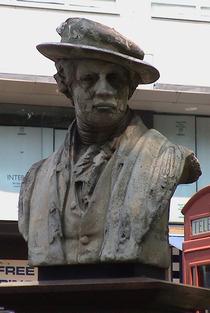 Sir Joshua Reynolds bust