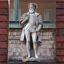 Imperial Hotel - statue 13