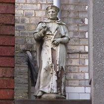 Imperial Hotel - statue 18