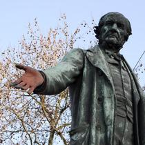 Gladstone statue at Bow Church