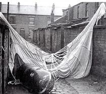 Parachute mines