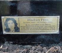 Marc Bolan shrine - plaque - Finn
