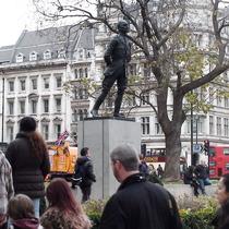 Smuts statue