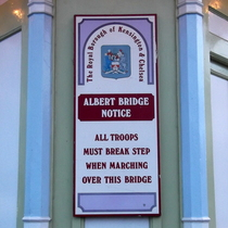 Albert Bridge - troops