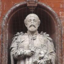 Edward VII statue on Caxton Hall