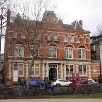 Bermondsey Library - key stone busts