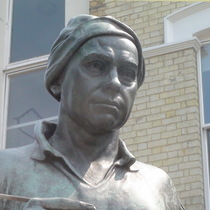 Hogarth statue