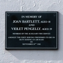 Joan Bartlett and Violet Pengelly