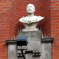 King George V - Bexleyheath bust
