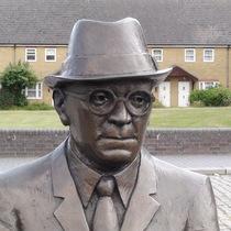 Doctor Alfred Salter - SE16 statue