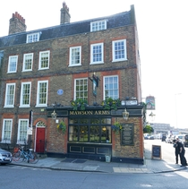 Mawson Arms & Fox and Hounds