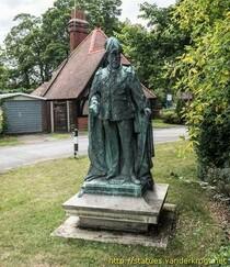 Edward VII statue - lost