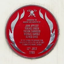 Dudgeon's Wharf explosion - red plaque