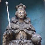 St Dunstans - Elizabeth I statue