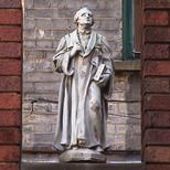 Imperial Hotel - statue 16
