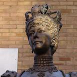 Queen Alexandra statue