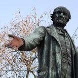 Gladstone statue at Bow Church