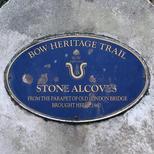 London Bridge alcoves in Victoria Park - Bow plaque