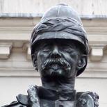 Roberts statue