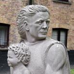 Christopher Jones statue
