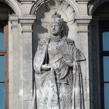 V&A façade - Queen Alexandra