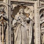 V&A façade - Queen Victoria