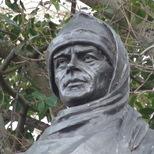 Captain Scott statue